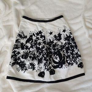 Loft off-white with black flower mini skirt